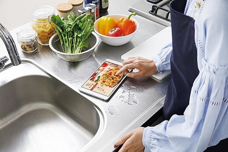 Фото - Huawei готовит планшет MediaPad M5 WaterPlay с поддержкой eSIM»