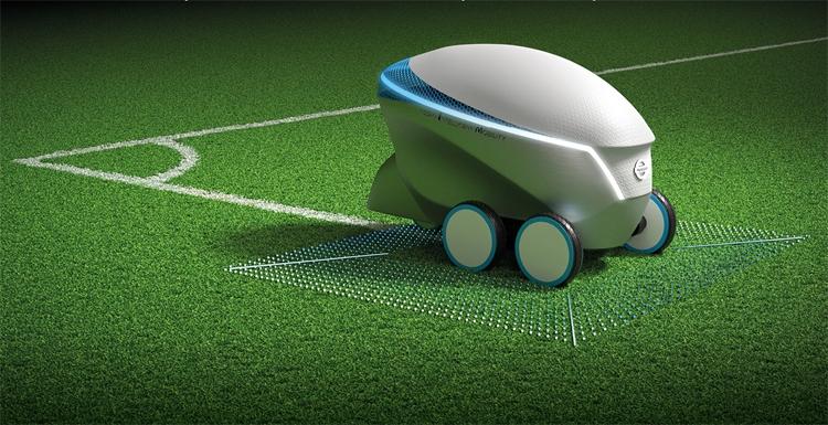 Фото - Робот Nissan Pitch-R с автопилотом рисует футбольные поля»