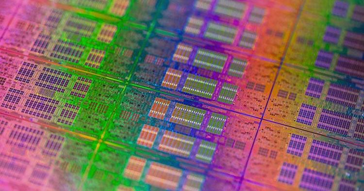 Фото - Intel может снова выйти на рынок смартфонов, планшетов и носимых устройств»