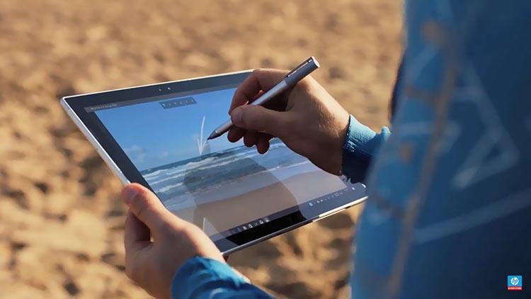 Фото - Видео: Qualcomm рассказывает о преимуществах ARM-базированных Windows-ноутбуков»
