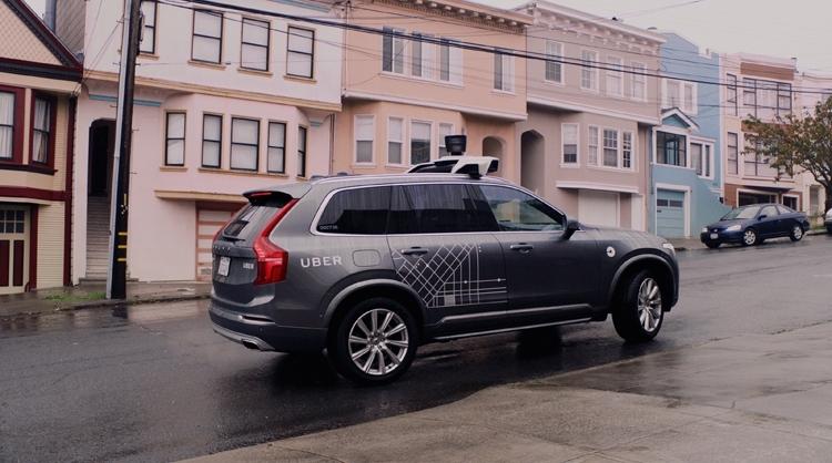 Фото - Uber остановила испытания автономных автомобилей из-за смертельной аварии»