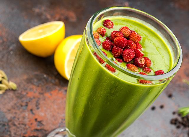 Фото - Рецепт для воскресного завтрака: зеленый смузи