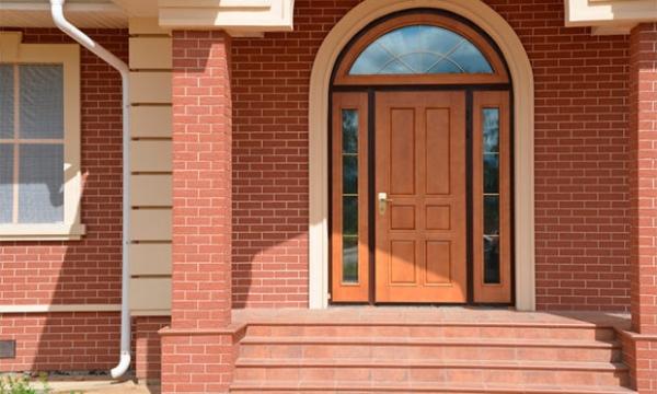 Фото - Входные двери в коттедж – 7 советов по выбору