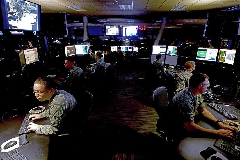 Фото - Сотрудники Google стремительно уходят из компании из-за ИИ-проекта для Пентагона»