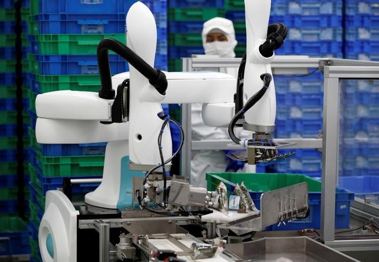 Фото - Японские компании видят большие возможности в небольших промышленных роботах — коботах»