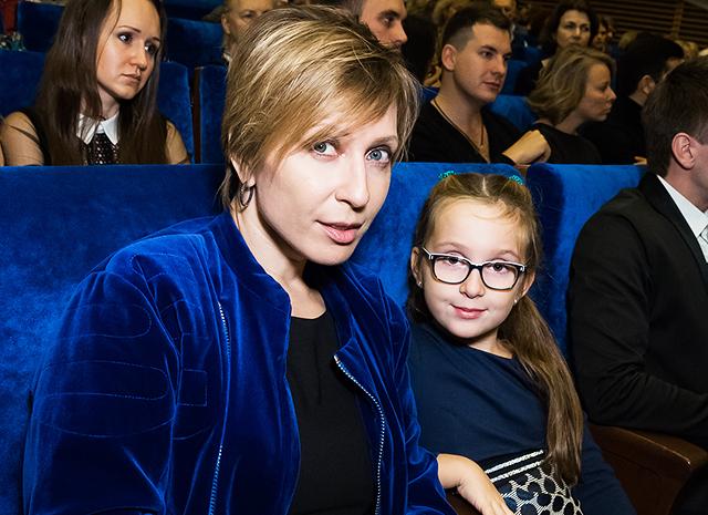 Фото - Яна Чурикова поделилась рецептом любимого бананового торта ее дочери Таисии