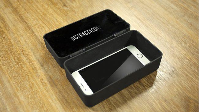 Фото - DistractaGone – верный способ оторвать человека от своего смартфона