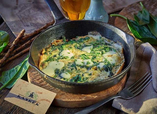 Фото - Рецепт для воскресного завтрака: омлет со шпинатом и сулугуни