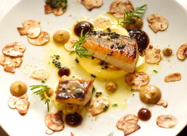 Фото - Ужин по-фински: жареный судак с грибами и хреном