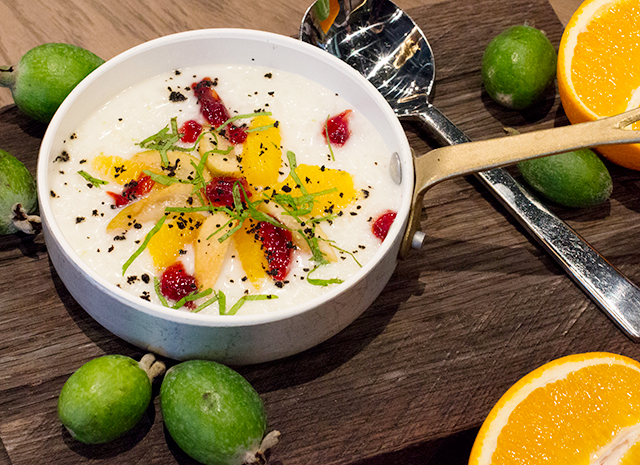 Фото - Рецепт для воскресного завтрака: рисовая каша с апельсином и фейхоа