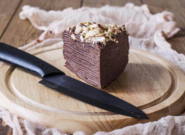 Фото - Первый день Масленицы: рецепт блинного торта с шоколадом и маскарпоне