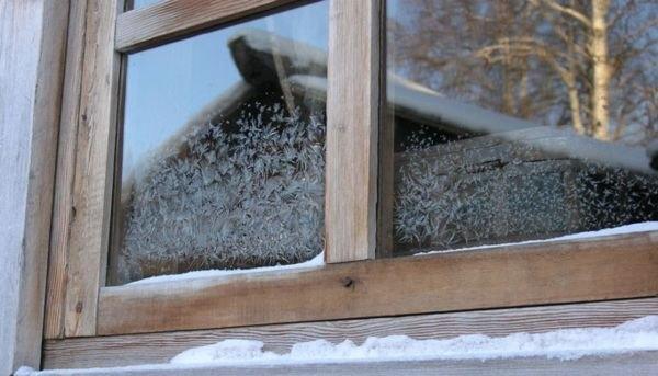 Фото - 12 советов по утеплению деревянных окон своими руками