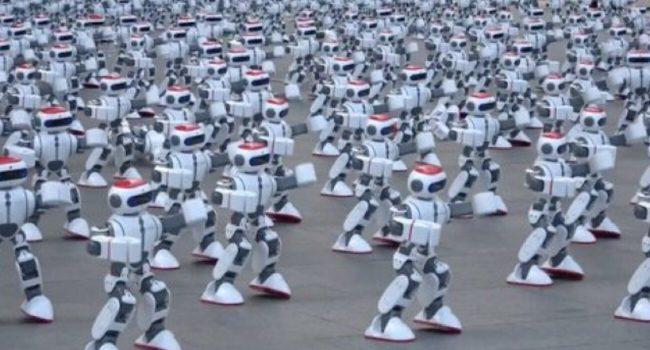 Фото - #видео | Будни книги рекордов Гиннесса: 1000 одновременно танцующих роботов