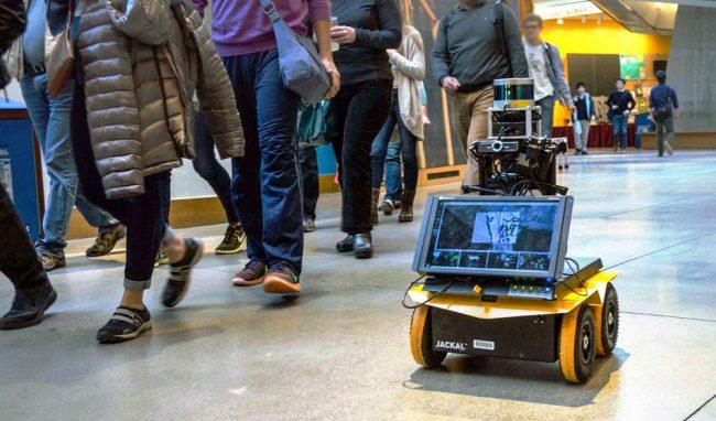 Фото - В MIT научили робота правилам передвижения в общественных местах