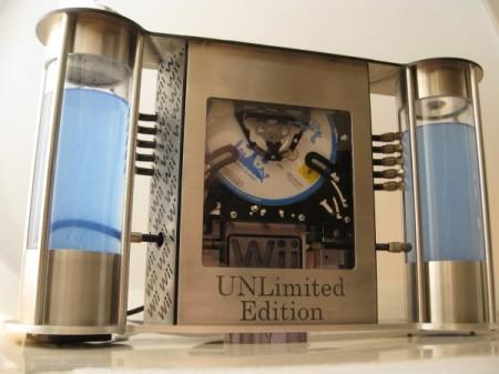 Фото - Обновлённая консоль Nintendo Wii с двумя красивыми резервуарами для жидкостного охлаждения