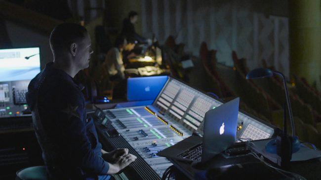Фото - Взгляд изнутри: из чего сделан 3D-шоу-мюзикл #ДЖУМЕО