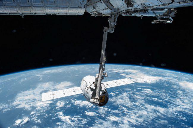 Фото - На МКС отправили прототип уборщика космического мусора