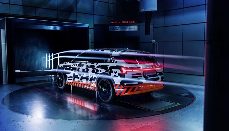 Фото - Электрокар Audi e-tron получит виртуальные зеркала заднего вида»