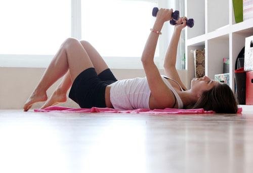 Фото - Эффективное и дешевое похудение: занятия фитнесом дома