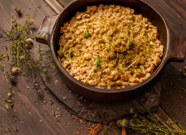 Фото - Рецепт для воскресного завтрака: овсяная каша с лаймовой цедрой
