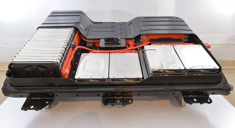 Фото - Японские гиганты создадут твердотельные аккумуляторы для электромобилей»