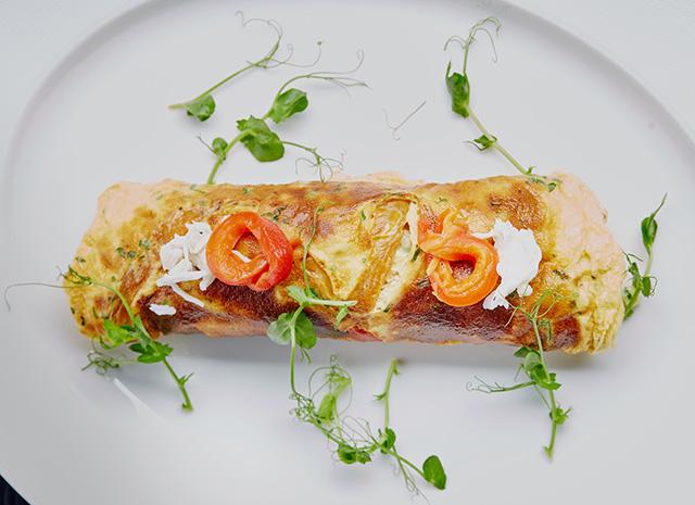 Фото - Рецепт для воскресного завтрака: омлет, фаршированный крабом