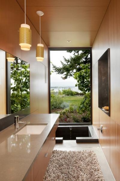 Фото - 5 советов по дизайну ванной комнаты с окном + фото