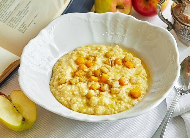 Фото - Рецепт для воскресного завтрака: пшенная каша с яблоками и корицей