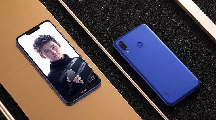 Фото - Huawei Honor Play: смартфон с технологией GPU Turbo и 4D-эффектами»
