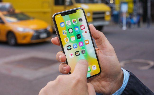 Фото - В США хотят запретить продавать смартфоны без съемных батарей