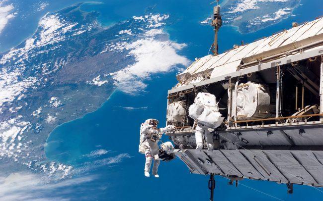 Фото - Правительство США хочет заставить NASA прекратить поддержку МКС к 2025 году