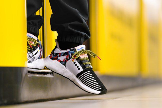 Фото - За технологичными кроссовками Adidas выстроились очереди