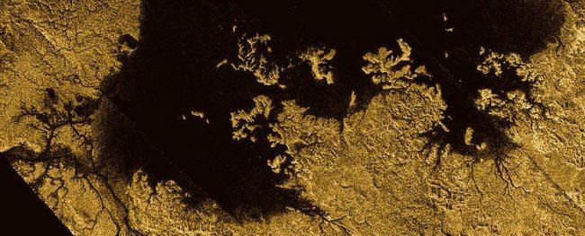 Фото - Астрономы создали полную топологическую карту одного из спутников Сатурна