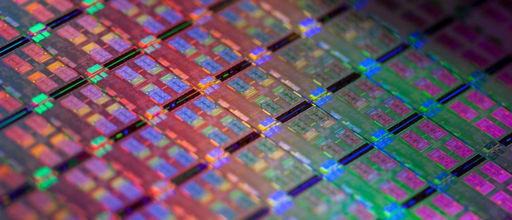 Фото - Массовое производство 10-нм процессоров Intel следующего поколения отложено на 2019 год