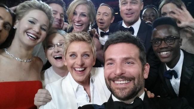 Фото - #фото дня | «Селфи» актеров на «Оскаре»