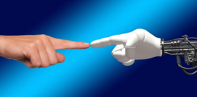 Фото - В российских законах пропишут отношения человека и робота»
