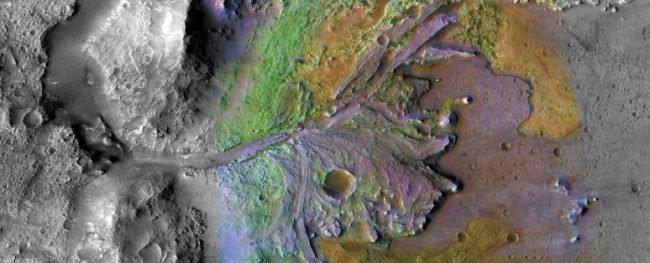 Фото - Астробиологи отобрали наиболее интересное место для поиска жизни на Марсе