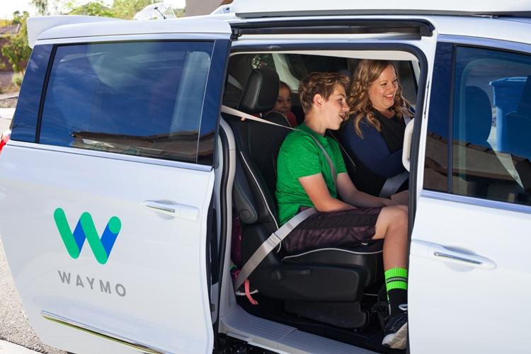 Фото - Самоуправляемые автомобили в Калифорнии начнут перевозить пассажиров»