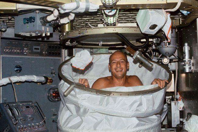 Фото - В России ведется разработка сауны и стиральной машинки для космонавтов