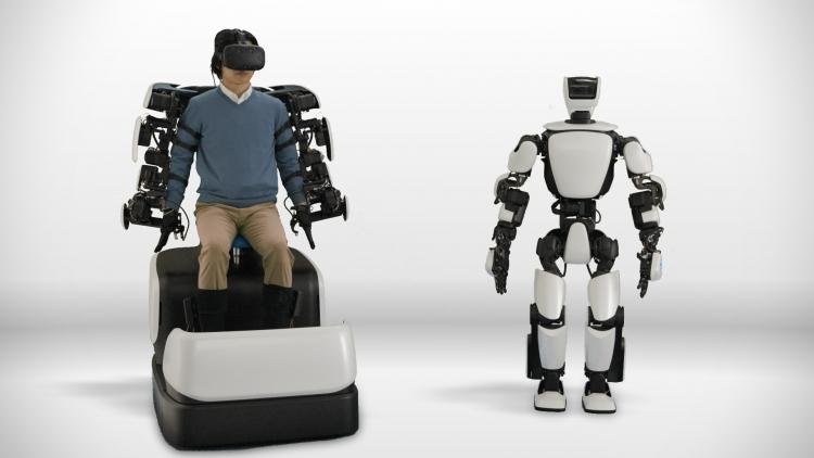 Фото - Человекоподобный робот Toyota способен повторять за движениями оператора»