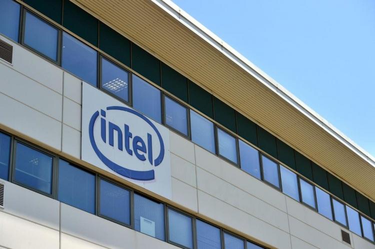 Фото - Intel выделила Intel Security в отдельную компанию McAfee, продав 51 % её акций»