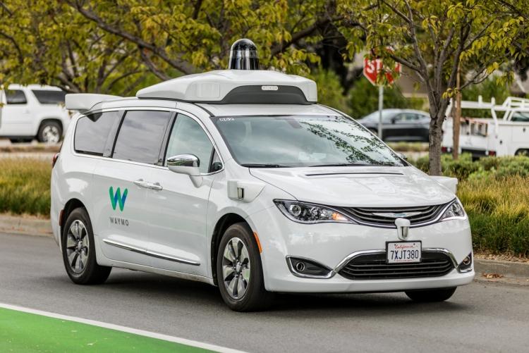 Фото - Калифорния разрешила испытания беспилотных автомобилей без людей в салоне»