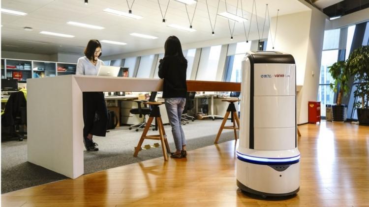 Фото - Роботы-курьеры начнут развозить обеды по офисным центрам»