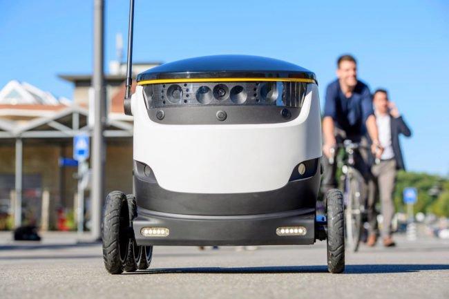 Фото - Роботы, похожие на помесь мультиварки и марсохода, начали доставку еды
