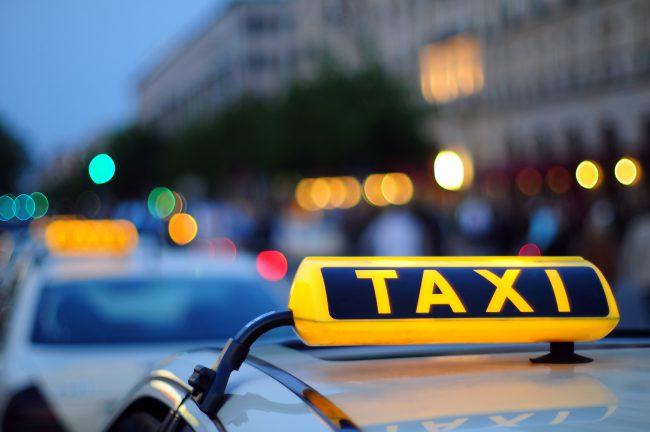 Фото - Яндекс.Такси объединяется с Uber