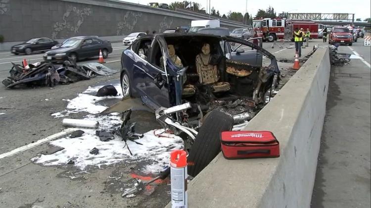 Фото - Tesla признала работу автопилота в момент смертельной аварии Model X»