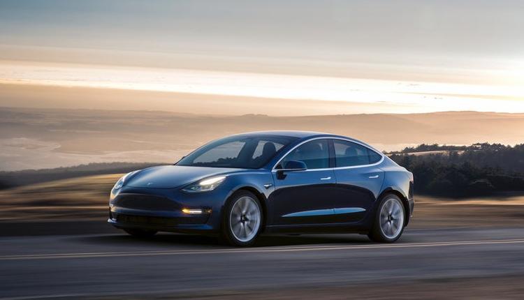 Фото - Tesla Model 3 Performance: разгон до «сотни» за 3,5 секунды»